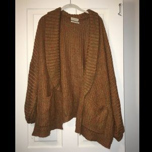 Urban Outfitters Oversized Cardigan! Sz: M